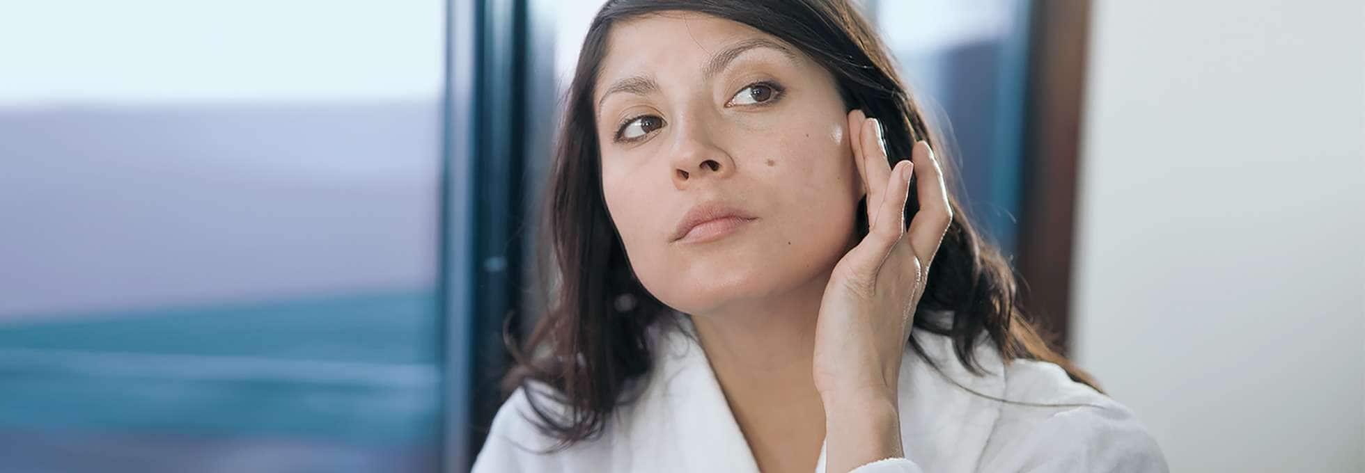 How to Treat Dry Skin Around the Eyes | Vaseline® | Unilever Vaseline®
